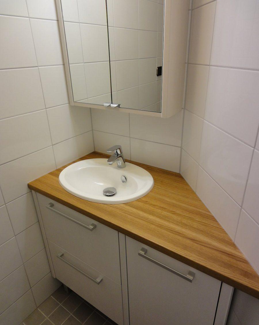 Kylpyhuonekalusteet mittojen mukaan